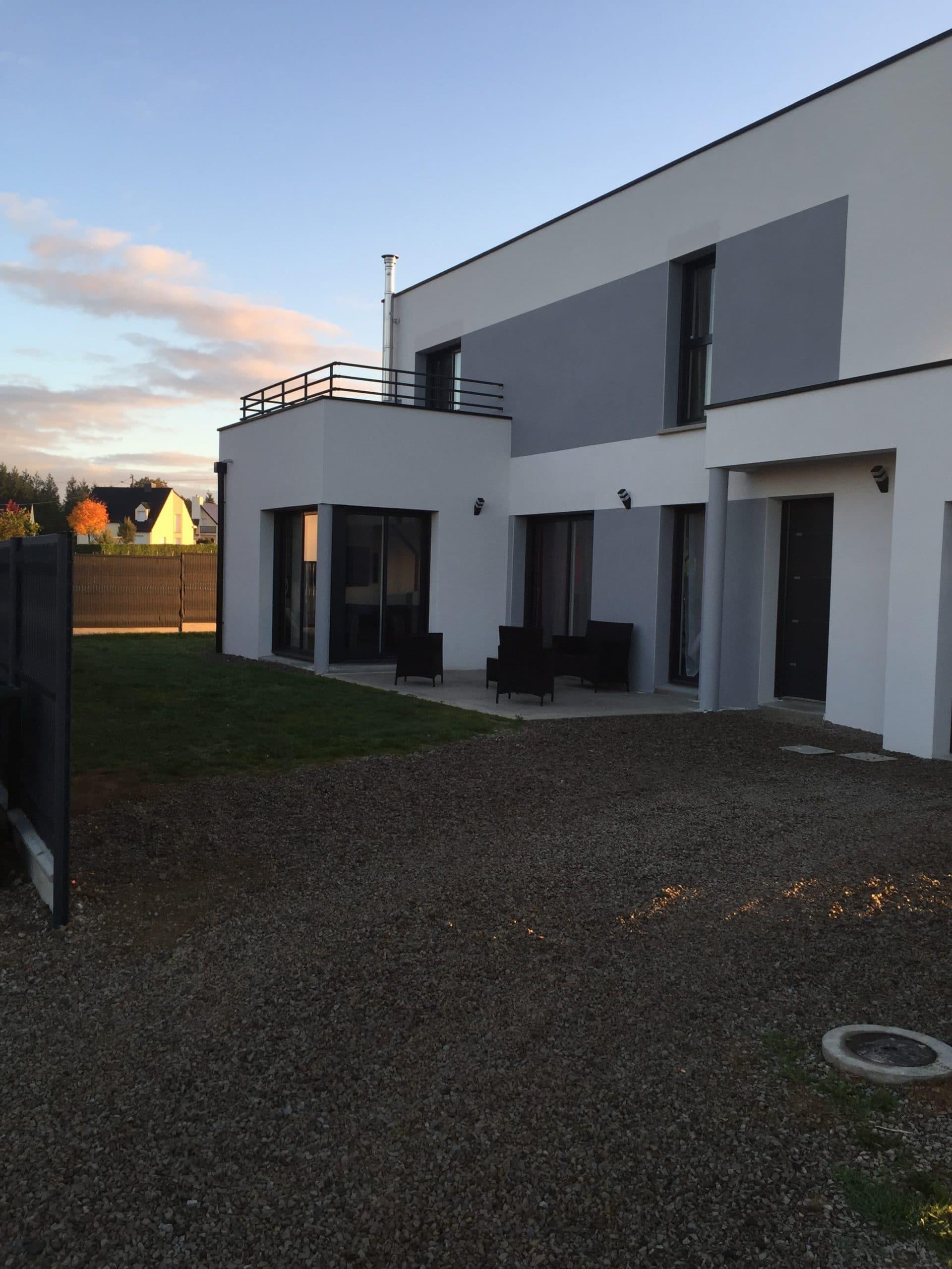 Une maison contemporaine rennes cocoon habitat for Une maison moderne
